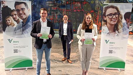 Berufsbildungswerk der Deutschen Versicherungswirtschaft ehrt beste Absolventen